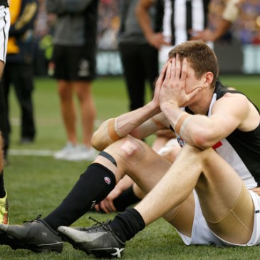 Mason Cox of the Collingwood Magpies demonstrating how the rest of the team, and most supporters, felt (Sept. 28, 2018 - Source: Darrian Traynor/Getty Images AsiaPac)